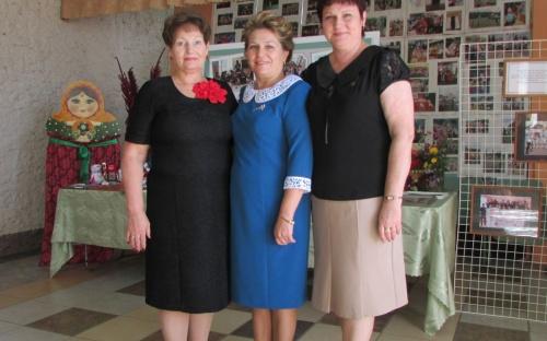 На августовской конференции в Урицком районе - Перелыгина Н.М., Гнеушева Л.В., Гриценко Л.М. - социальные партнеры